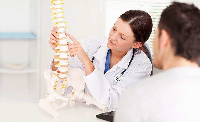 Bệnh Scheuermann có thể được chẩn đoán xác định dựa trên các biểu hiện lâm sàng