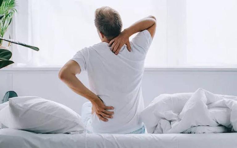 dấu hiệu đau lưng