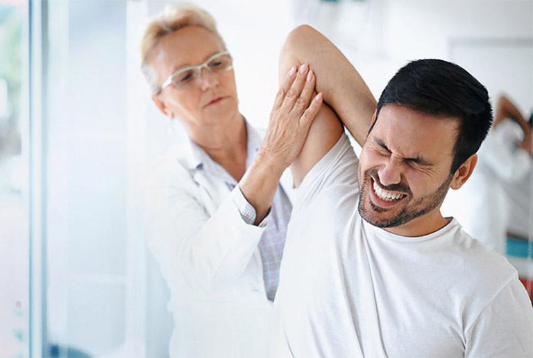 chẩn đoán đau vai gáy