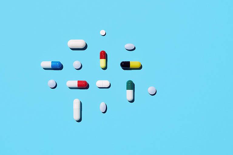 Sử dụng thuốc điều trị hoại tử vô mạch chỏm xương đùi