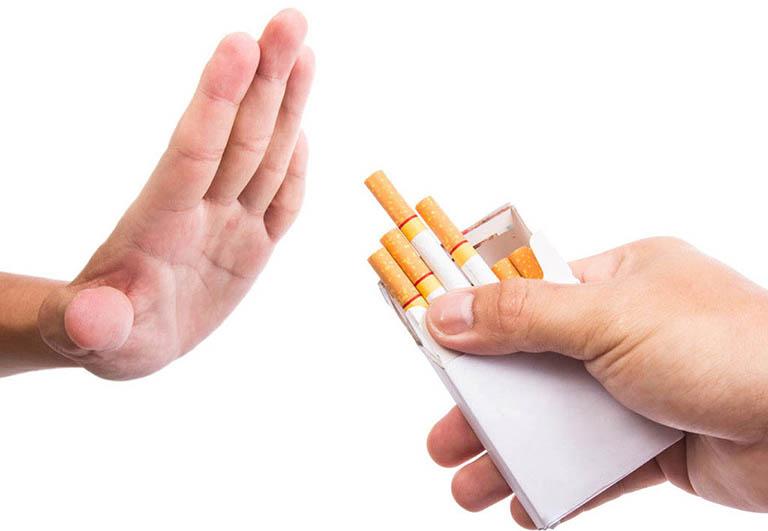 Không uống rượu và không hút thuốc lá