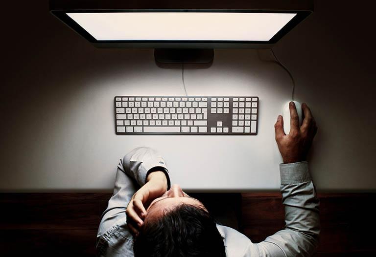 Ít vận động, buộc phải sử dụng máy tính nhiều
