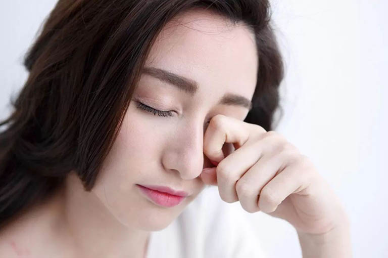 Viêm khớp dạng thấp gây hội chứng khô mắt