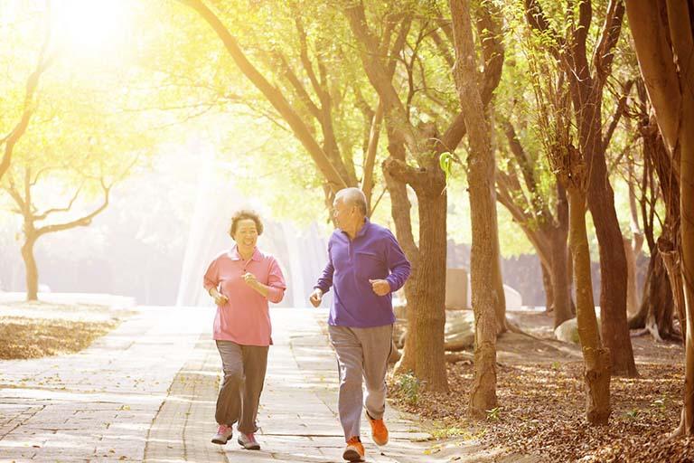 Luyện tập thể dục đúng cách giúp giảm đau
