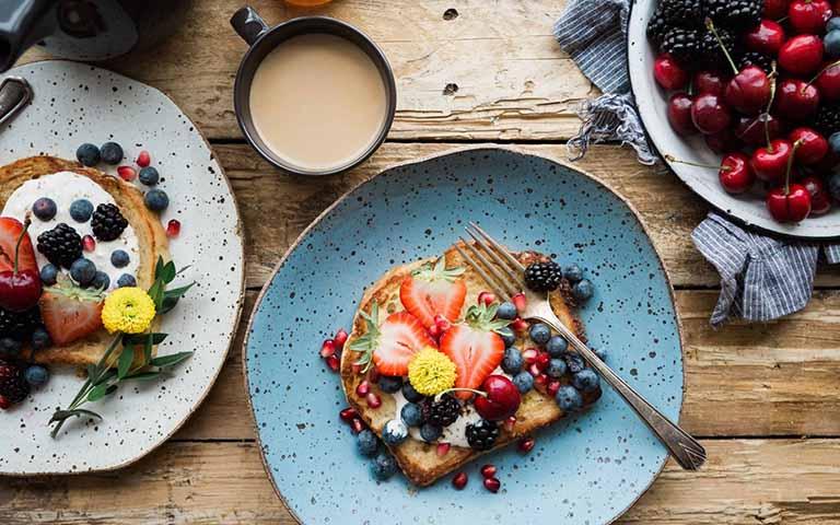 Tăng cường sức khỏe, giảm đau do thoát vị đĩa đệm bằng chế độ ăn uống