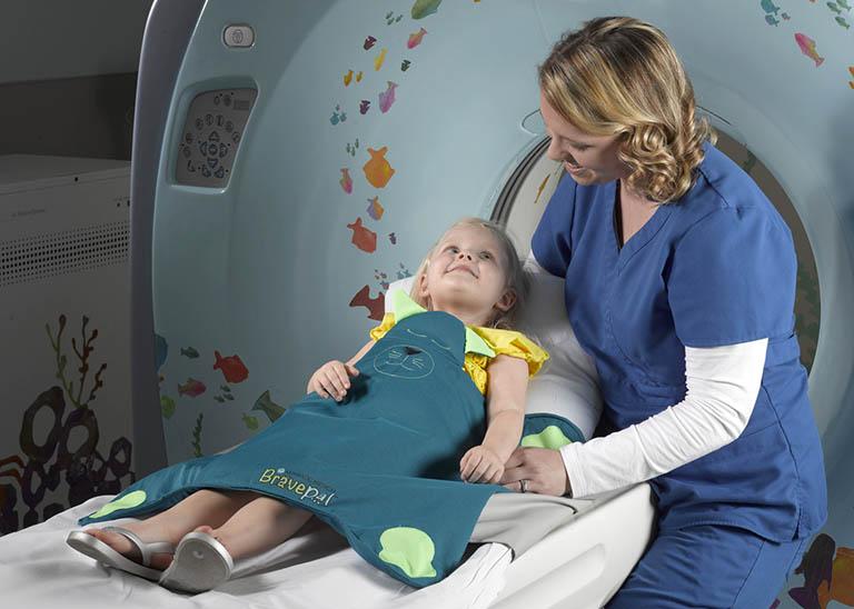 Bức xạ ion hóa từ CT scan gây hại hơn cho trẻ em