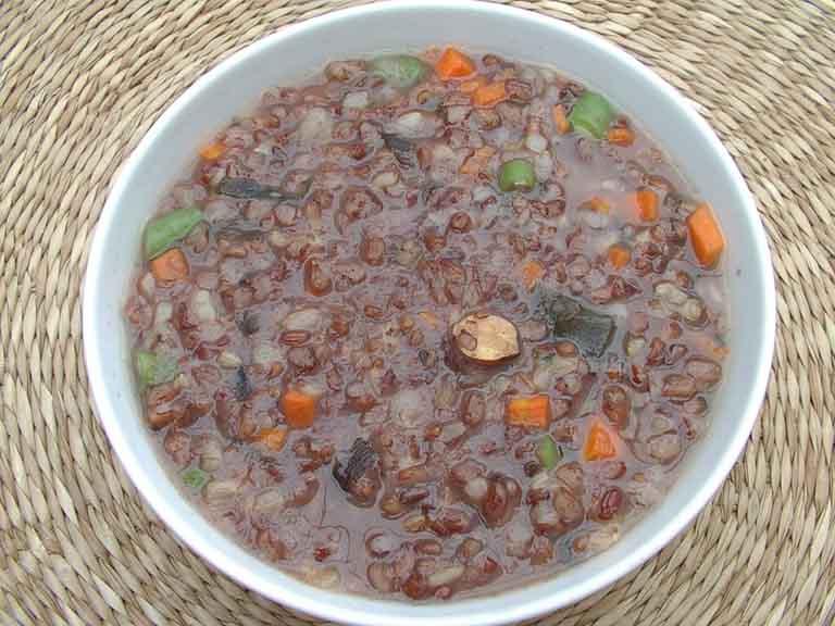 Cách nấu cháo gạo lứt đậu đỏ trị thoát vị đĩa đệm và tăng cường sức khỏe