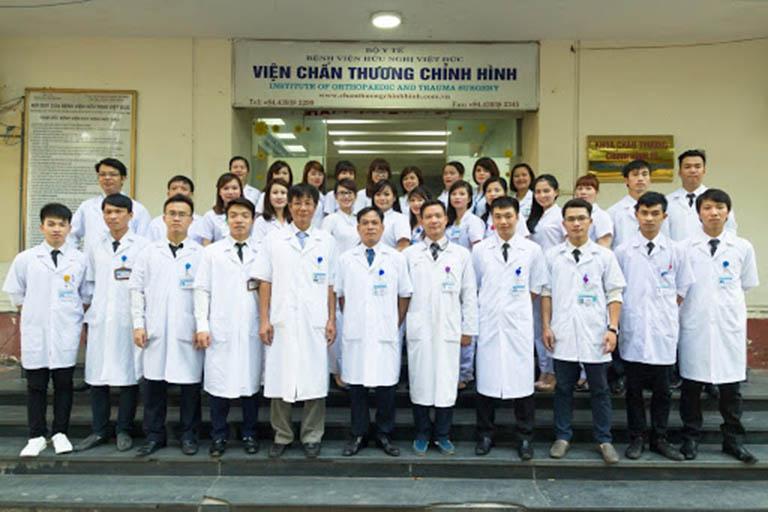 Bệnh viện Việt Đức có đội ngũ y bác sĩ có bề dày kinh nghiệm và trình độ chuyên môn cao