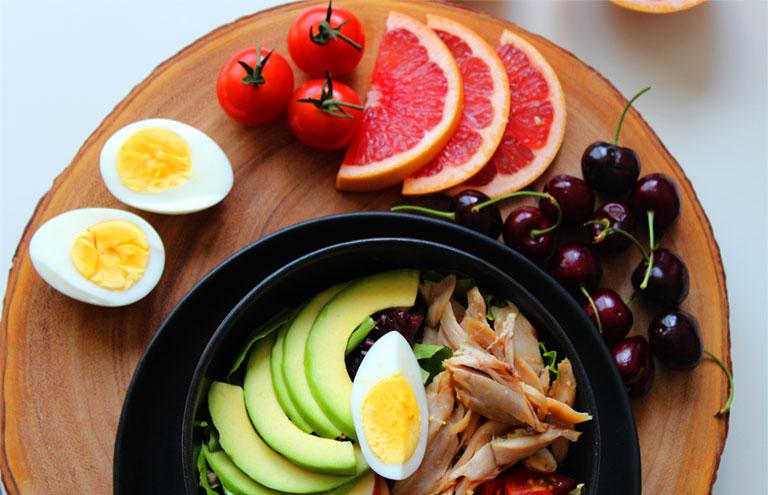 Sau khi mổ thoát vị đĩa đệm nên ăn gì, tránh gì
