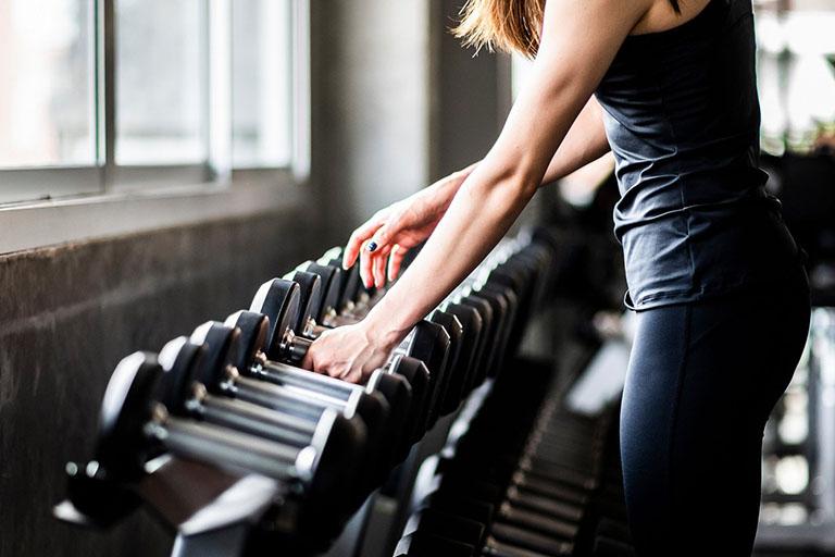 Tập gym đúng cách cho người thoát vị đĩa đệm