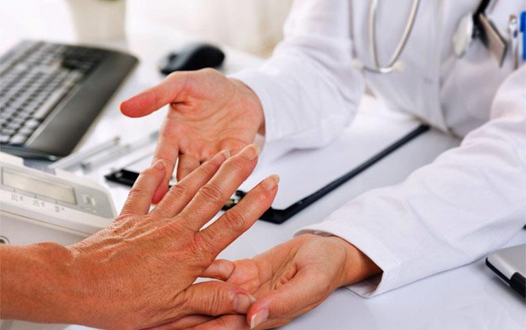 chẩn đoán tê bì chân tay