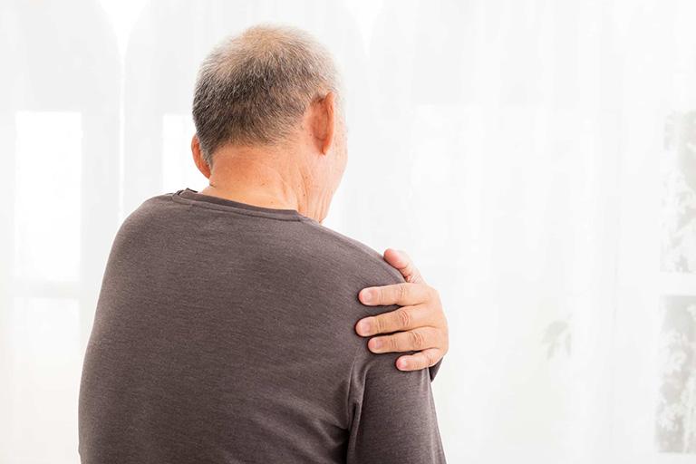 Bệnh thoái hóa khớp vai thường xảy ra ở những người có độ tuổi trên 50