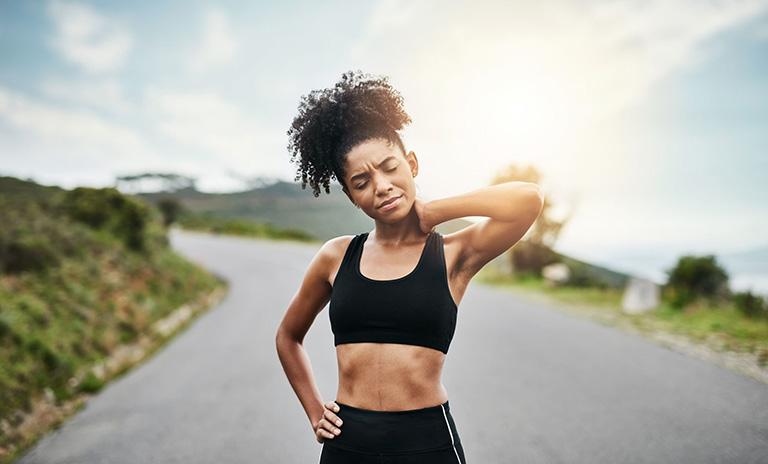 Bị thoát vị đĩa đệm có nên đi bộ, chạy bộ, tập thể dục