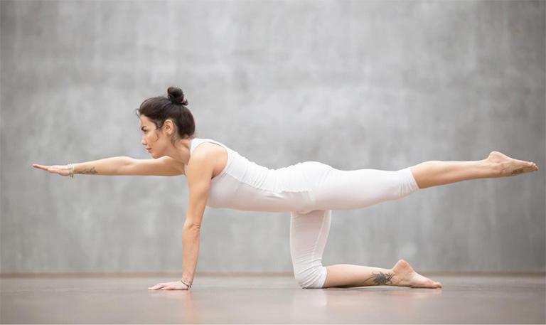 Bài tập giữ thăng bằng, tập mạnh nhóm cơ lưng