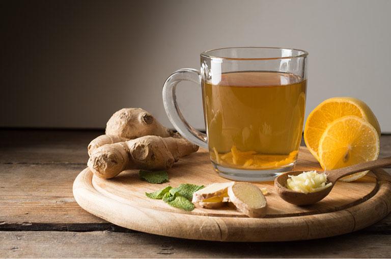 Cải thiện tình trạng đau nhức khớp gối khi mang thai bằng trà gừng