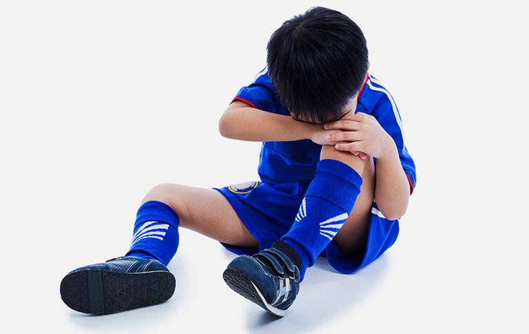 Trẻ em hay kêu đau đầu gối