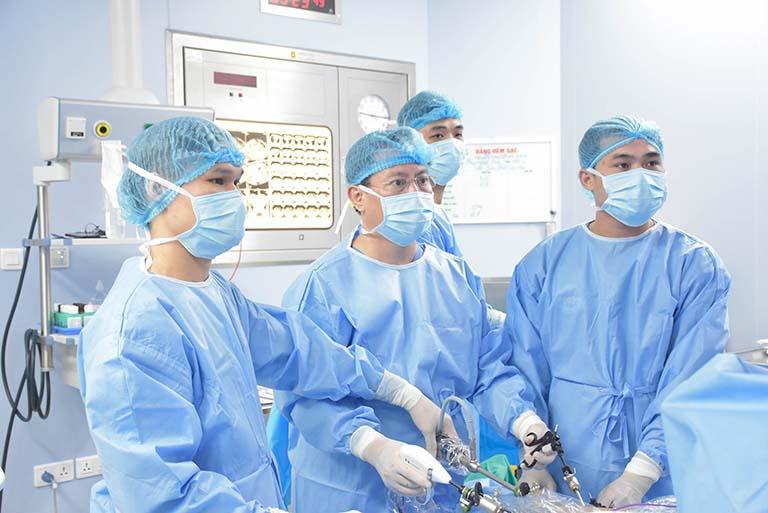 Mở nội soi điều trị thoát vị đĩa đệm ở Bệnh viện Chợ Rẫy