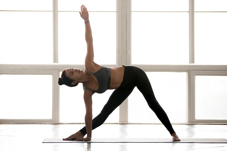 Bài tập tam giác giúp làm giảm đau vàcải thiệnsựlinh độngcho cột sống