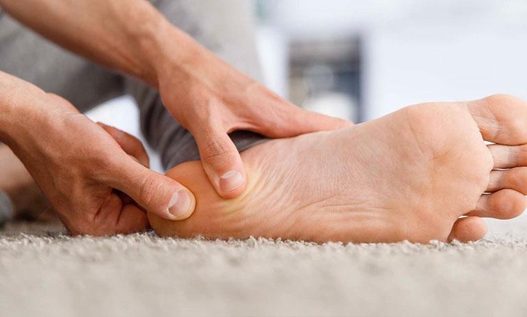 nhiễm trùng xương gót chân