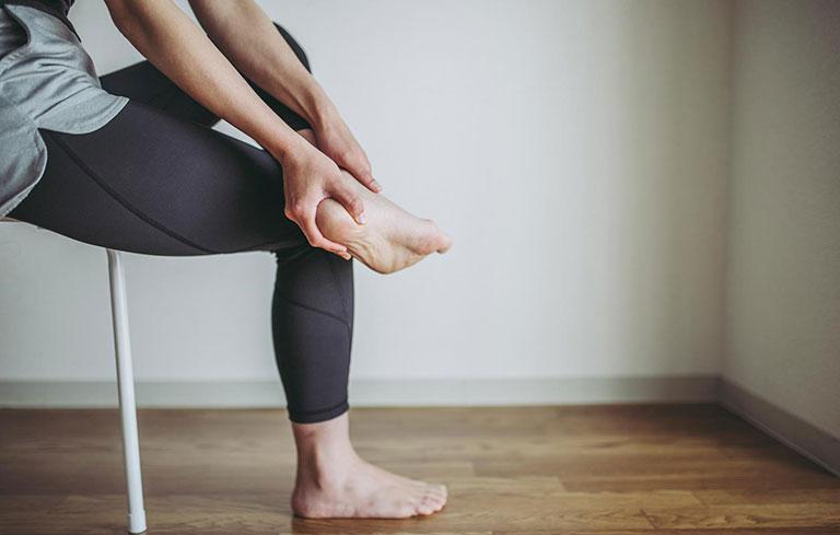 đau xương gót chân