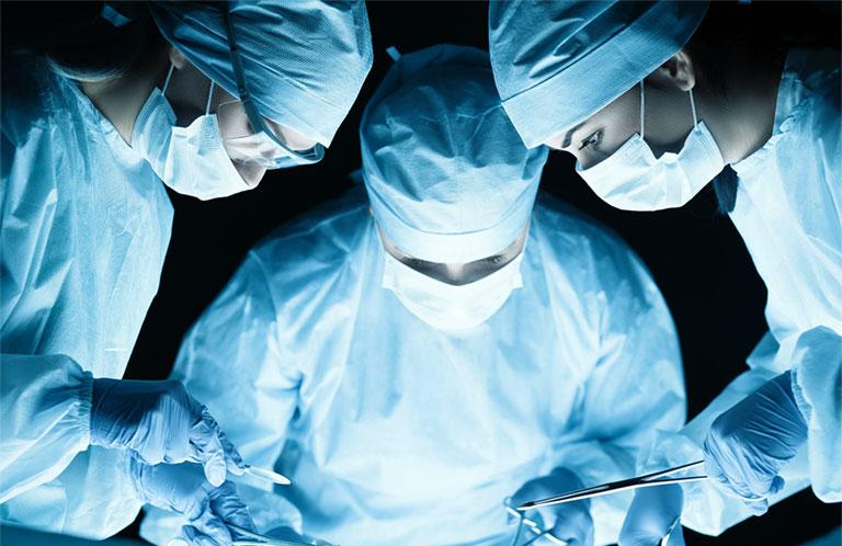 phẫu thuật gai đôi cột sống