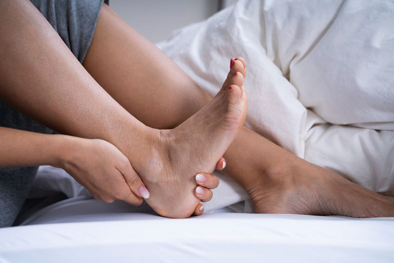 dấu hiệu bệnh gai gót chân