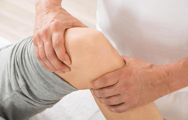 bấm huyệt chữa đau khớp gối