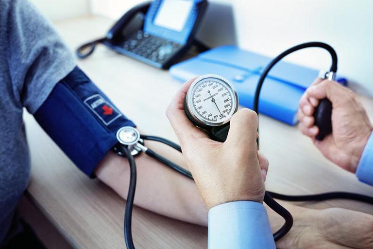 Không nên dùng cây mật gấu cho những bệnh nhân có huyết áp thấp