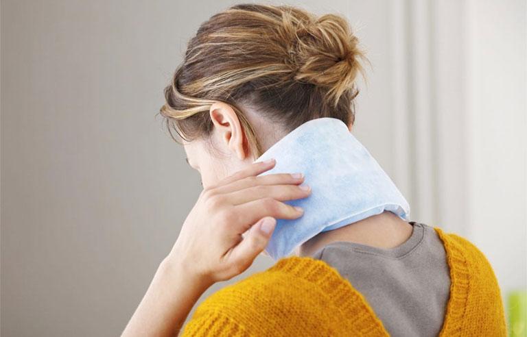 Cách chữa đau cổ khi ngủ sai tư thế