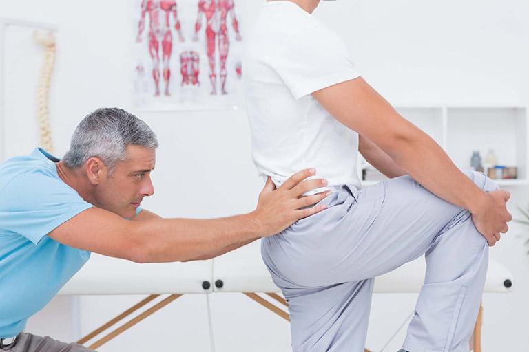 Đau lưng cấp được chẩn đoán bằng cách kiểm tra lâm sàng kết hợp cận lâm sàng