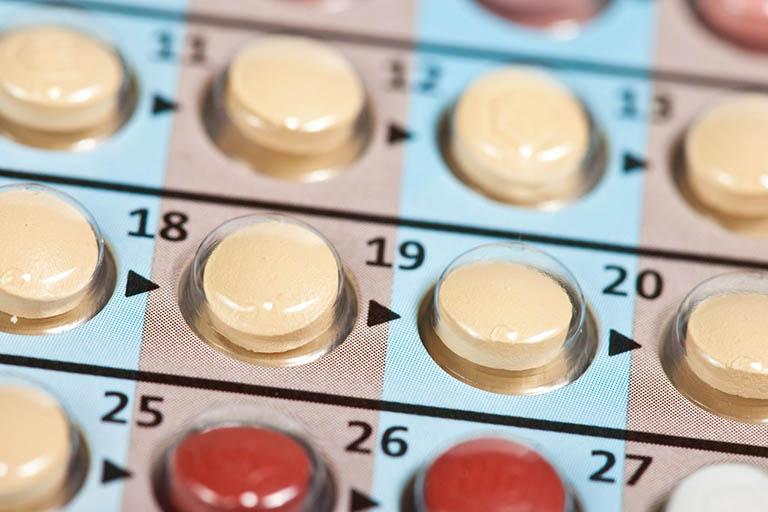Sử dụng nội tiết tố kiểm soát sinh sản