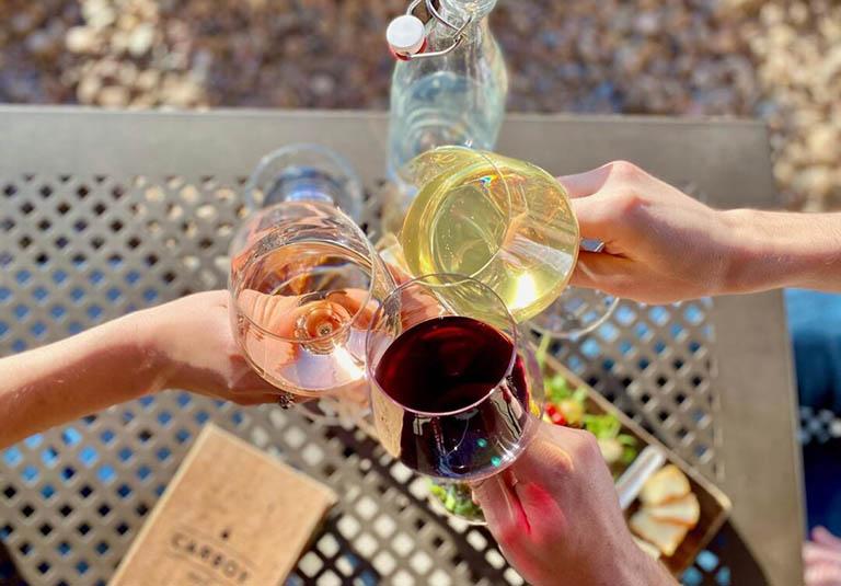 Rượu , bia và chất kích thích