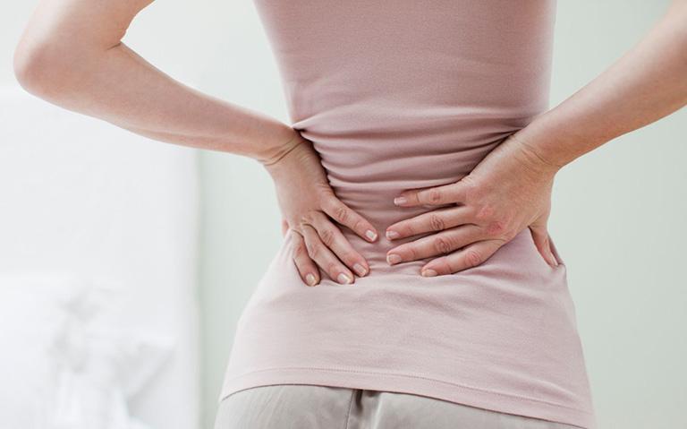 Đau lưng sau sinh (thường và mổ)