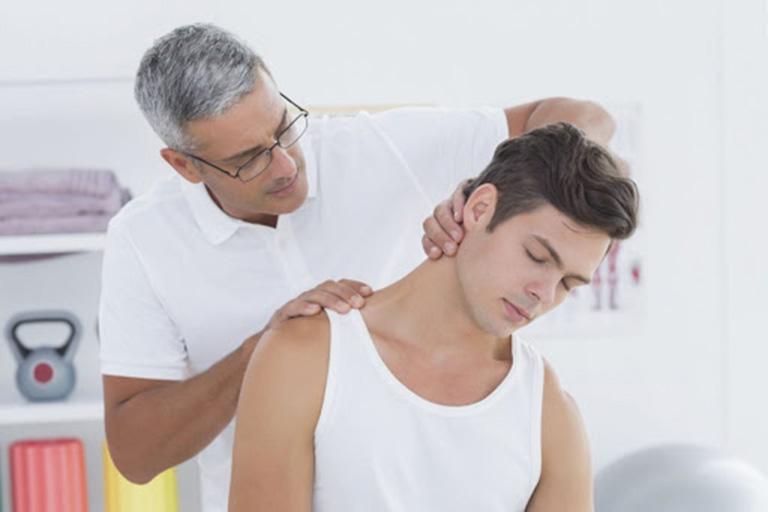 chẩn đoán đau vai gáy ở người trẻ