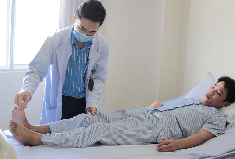 chẩn đoán bệnh gây chuột rút và tê chân