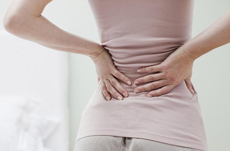 Ra máu báo thai có đau lưng không