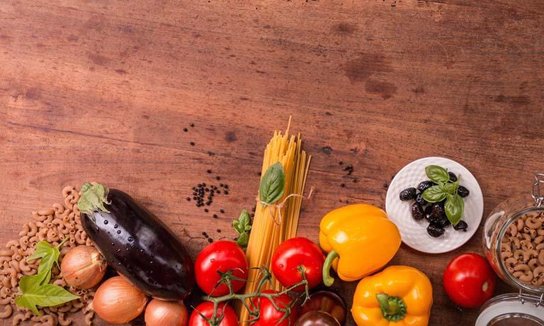Tê bì chân tay nên ăn gì, kiêng gì tốt cho bệnh?