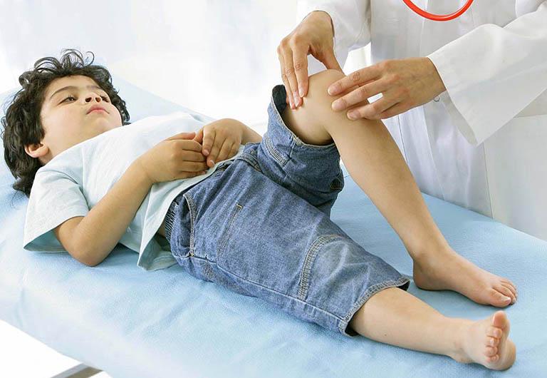 tê chân tay ở trẻ em