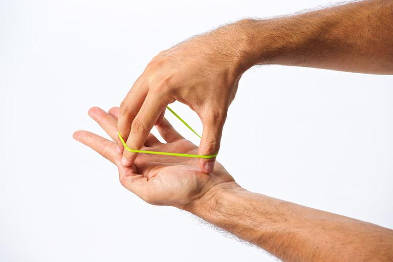 khắc phục chứng tê đầu ngón tay
