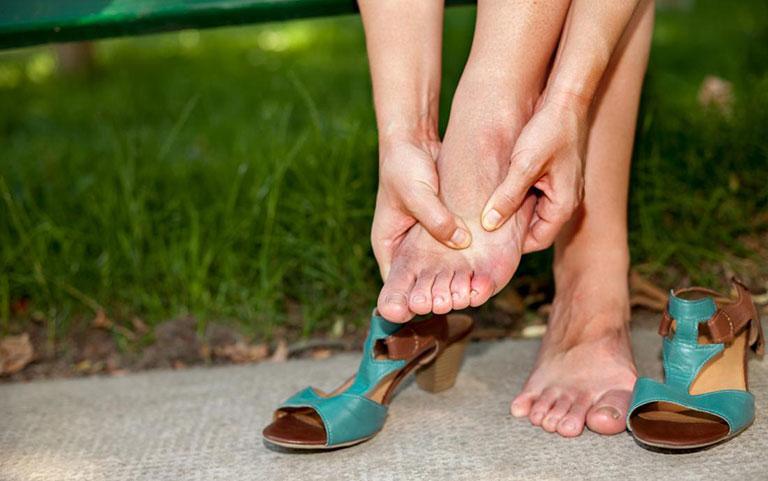 Tê ngón chân cái