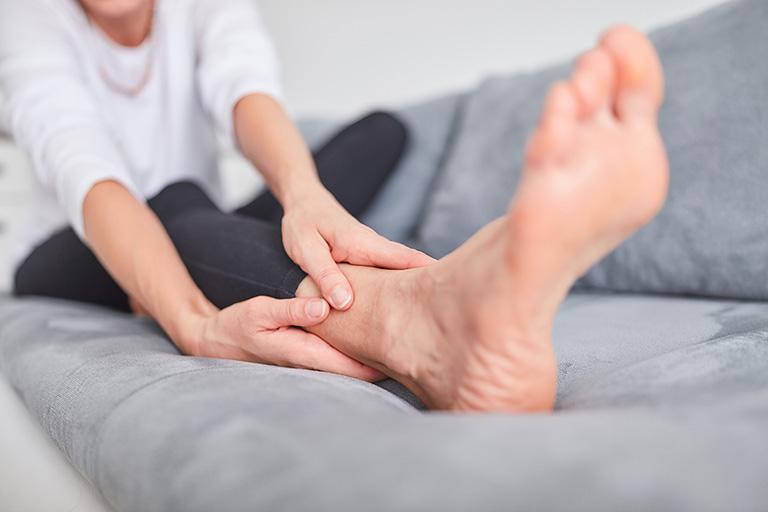 đau nhức xương khớp toàn thân là bệnh gì