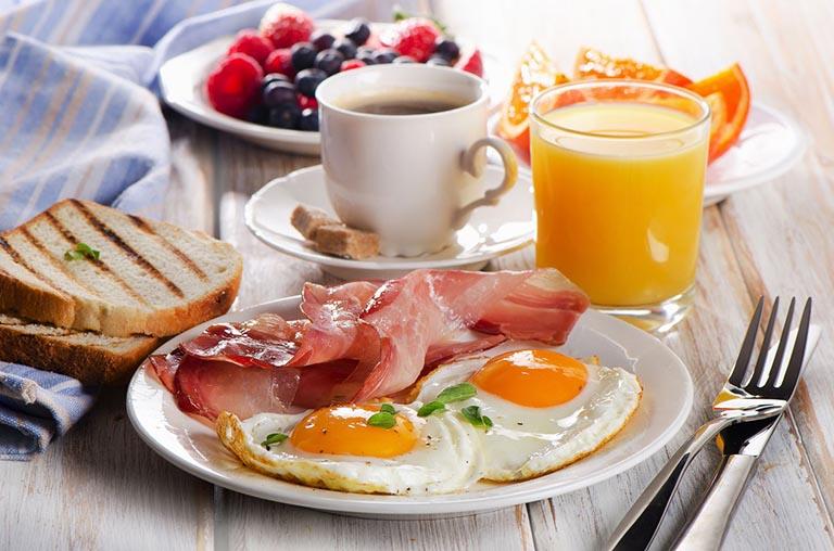 Chế độ ăn uống lành mạnh và đủ chất
