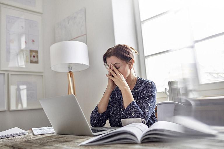 Liệu pháp bấm huyệt giúp thư giãn và giảm áp lực lên dây thần kinh