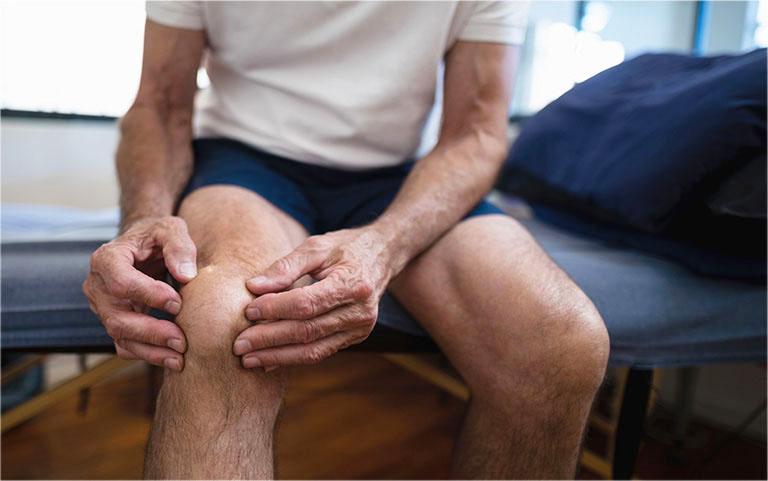 Bệnh gout có thể xuất hiện ở nhiều vị trí, gây ra tình trạng đau nhức khó chịu dữ dội