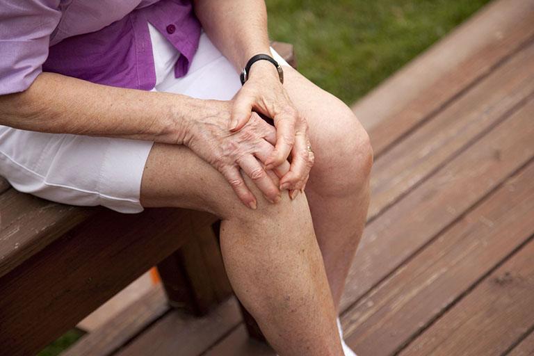 Căng giãn dây chằng quá mức dẫn đến đau nhức