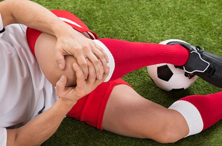 Chấn thương và vận động khớp quá mức