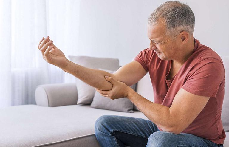 Khô khớp không được điều trị có thể dẫn đến thoái hóa khớp tiến triển