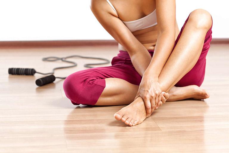 Nguyên nhân gây viêm khớp bàn chân