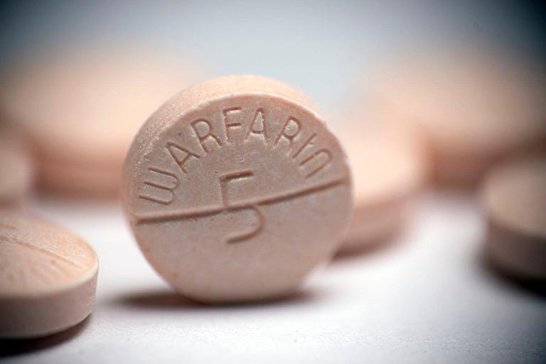 Glucosamin Kwangdong có thể gây ra hiện tượng tương tác với thuốc chống đông máu Warfarin