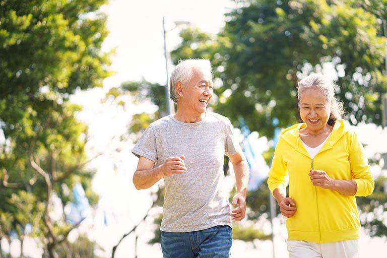 Duy trì hoạt động thể chất bằng các bài tập và bộ mô phù hợp
